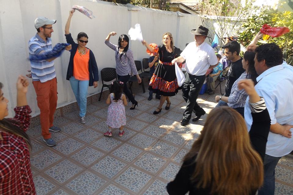 En la Misión Luterana Providencia bailamos cueca